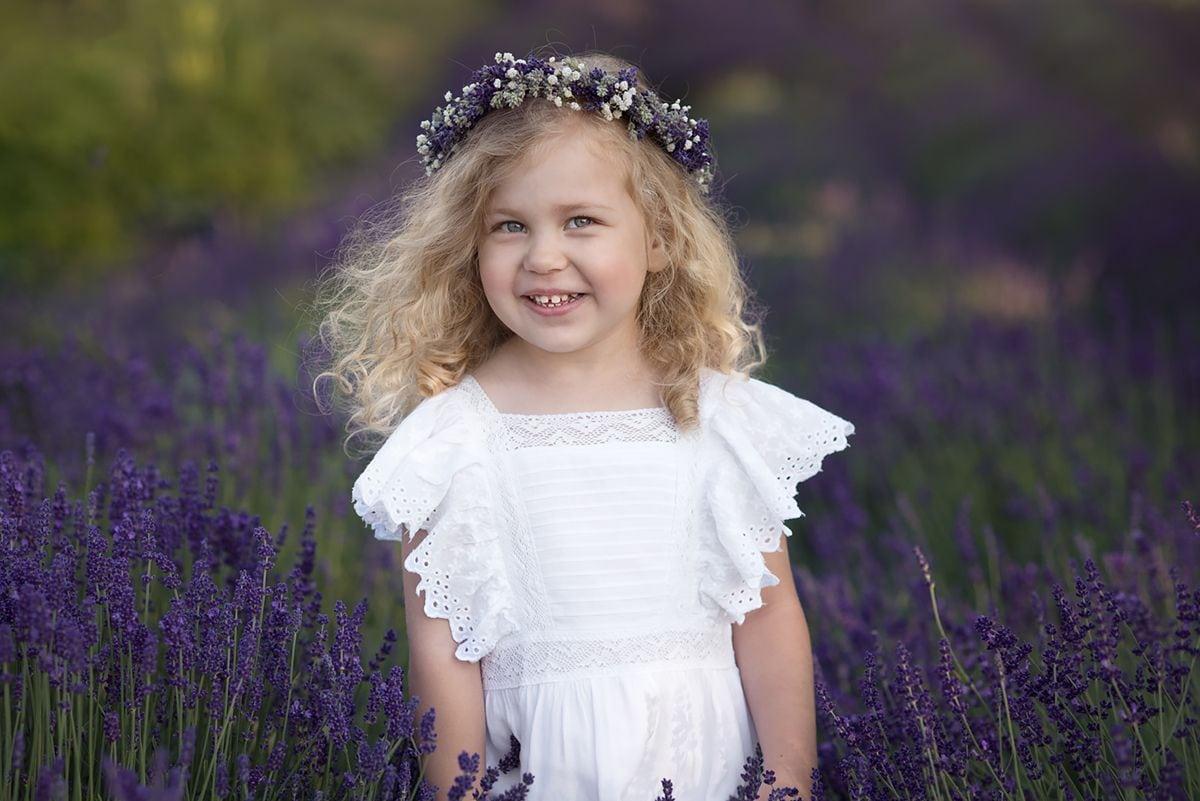 Lawendowy portret dziecka
