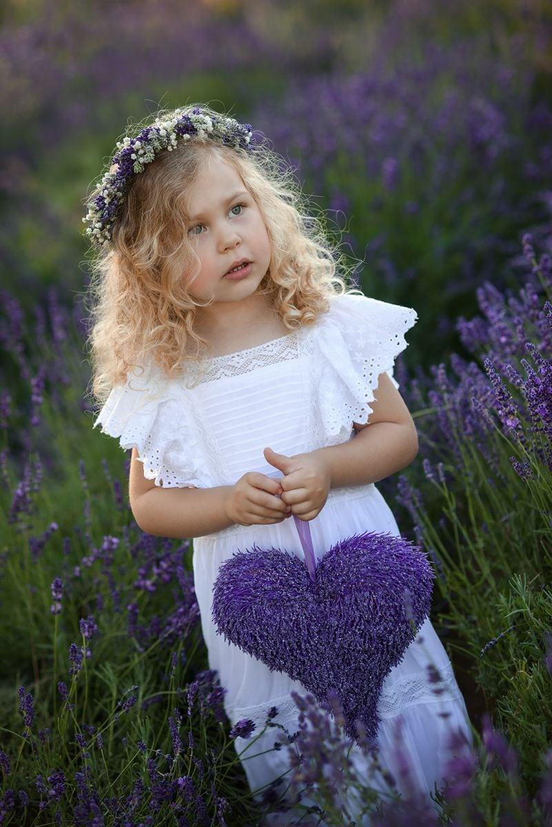 Fotografia dziecięca w lawendzie