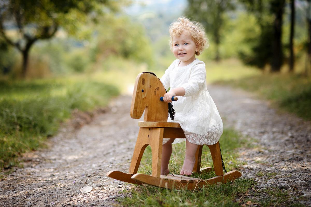 okiem fotografa sesja dziecięca w plenerze