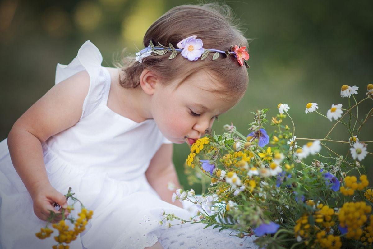 Zdjęcie dziecka na łące